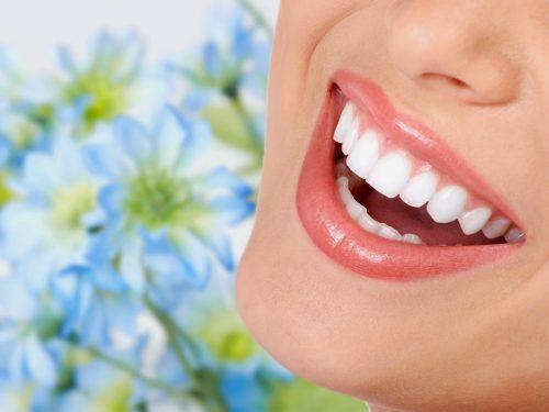 [ĐÂY] Cách làm trắng răng tại nhà cực hiệu quả Các Eva Không thể bỏ qua
