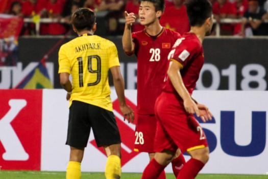 """Duy Mạnh xứng đáng nhận danh hiệu cầu thủ """"đanh đá"""" nhất tuyển Việt Nam"""
