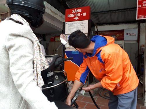 Giá xăn dầu có thể tăng mạnh trong ngày 17/4 dù xả Quỹ bình ổn