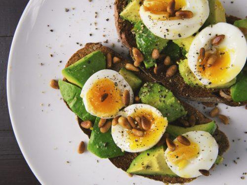 Nếu muốn giảm béo bằng phương pháp Keto, bạn đừng quên bổ sung những thực phẩm này