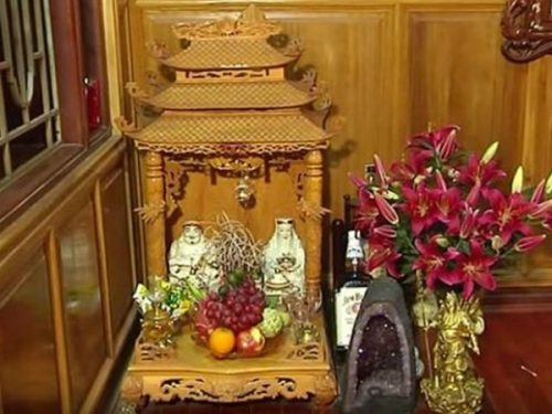 Cách lập bàn thờ Thần Tài – Thổ Địa và hướng đặt bàn thờ chuẩn phong thủy cầu tài lộc