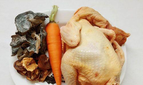 Nguyên liệu chuẩn bị làm thịt gà nấu đông1
