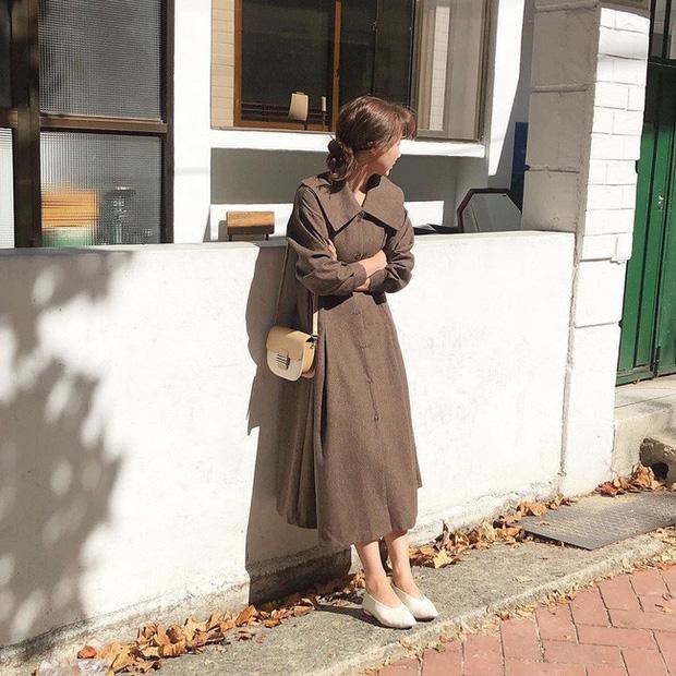 Váy dài tay liền thân Vintage nhẹ nhàng & trẻ trung (Nguồn: Kênh 14)
