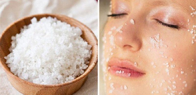 Tẩy da chết bằng muối biển giúp loại bỏ tế bào da bị bong tróc1