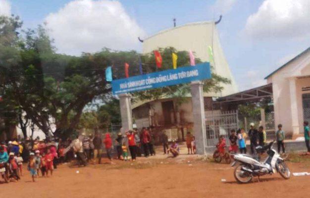 Nhóm đối tượng thanh niên bị người dân vây bắt đưa về nhà sinh hoạt cộng đồng1
