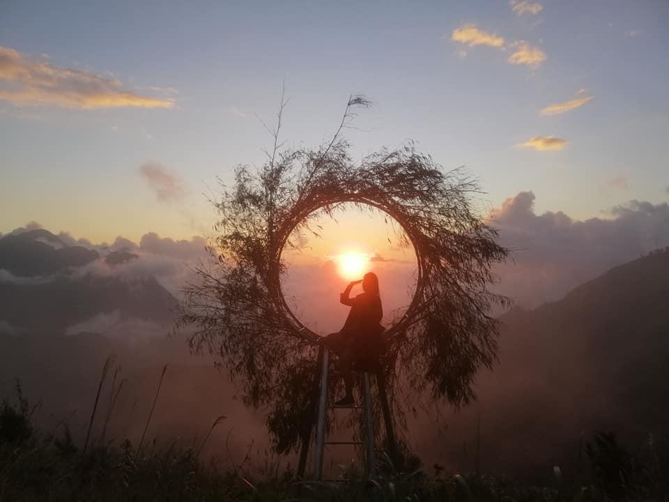 Cầu kính Rồng Mây Sa Pa là con đường nhanh nhất đưa du khách lên đỉnh núi1