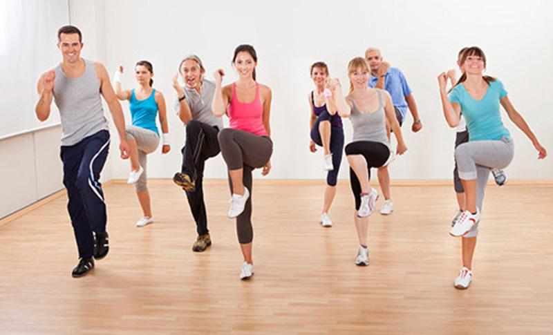 Tập thể dục mỗi ngày để cơ thể luôn khỏe mạnh giúp làn da căng tràn sức sống.1