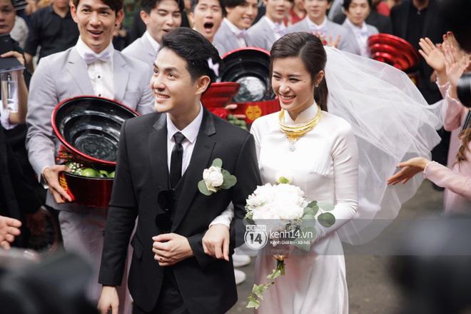 Đông Nhi - Ông Cao Thắng cười hạnh phúc trong lễ rước dâu1