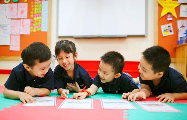 Một đứa trẻ hòa đồng sẽ được mọi người yêu thương và có nhiều cơ hội hơn1