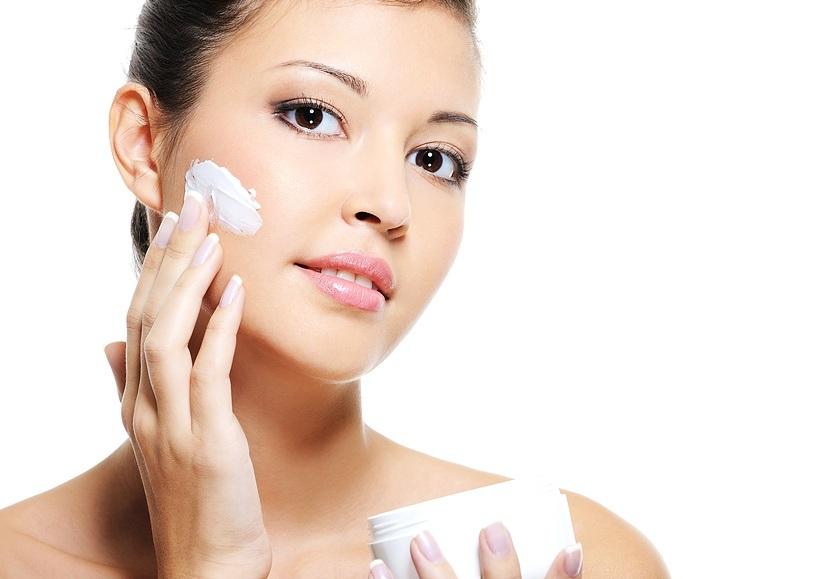 Lựa chọn loại kem dưỡng da chứa thành phần axit tự nhiên1