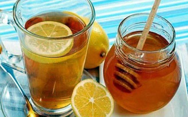 1 cốc nước chanh pha mật ong vào mỗi buổi sáng giúp làn da đầy sức sống1