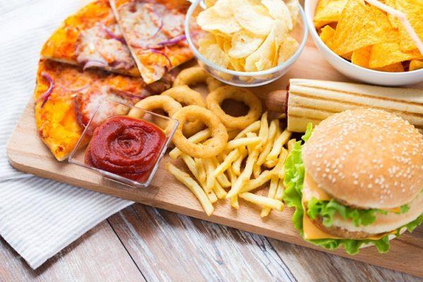 Đồ ăn nhanh có thể khiến mẹ bầu tăng cân quá mức1
