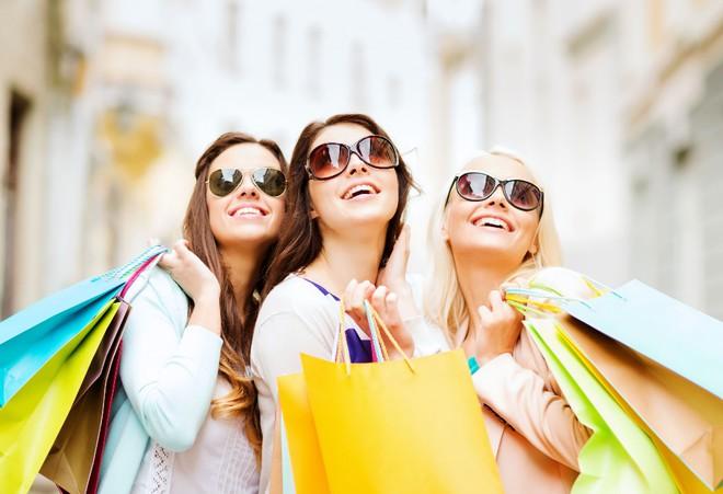 Rủ hội chị em cùng nhau săn hàng sale giá hời trong dịp khuyến mại cuối năm1