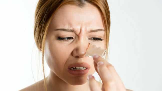 Vị trí nổi mụn ở mũi thể hiện hệ tiêu hóa hoạt động bất ổn .1