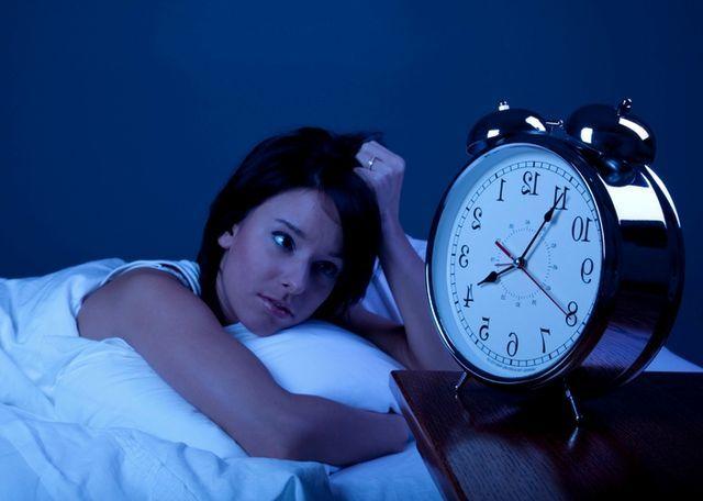 Thức khuya khiến bạn bị suy giảm trí nhớ, mặc nhiều bệnh về hệ tiêu hóa1