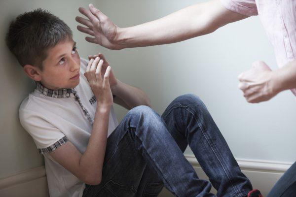 Cần xử lí nghiêm khắc những vụ việc bạo hành trẻ em để có tính răn đe những kẻ khác1