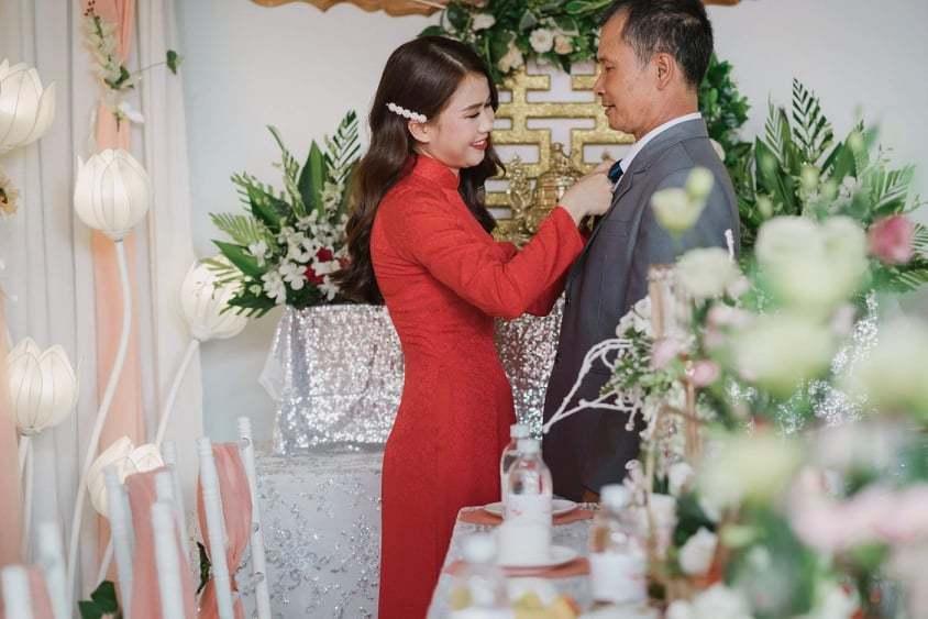 Từ nhỏ Khánh Hà sống trong sự yêu thương chiều chuộng của bố1