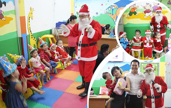 Ngày nay có nhiều djch vụ ông già Noel giao quà tận nhà cho các bé1