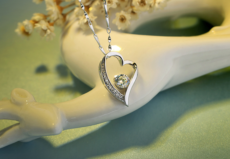 Đồ trang sức sẽ là món quà ý nghĩa mà các nàng cực ưng ý trong ngày lễ Noel1