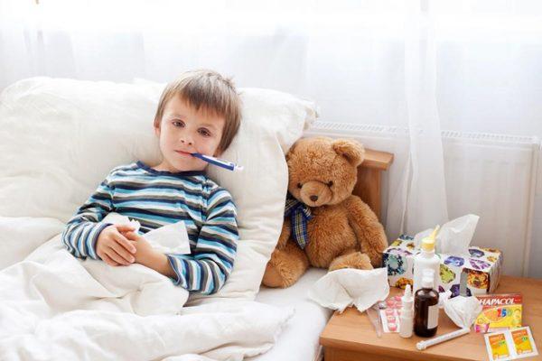 """"""" Nằm lòng """" cách chăm sóc trẻ trong mùa lạnh để bé luôn khỏe mạnh"""