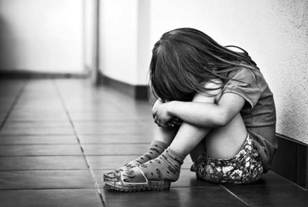Trẻ bị bạo hành sẽ bị ảnh hưởng tới nhân cách và phát triển sau này1