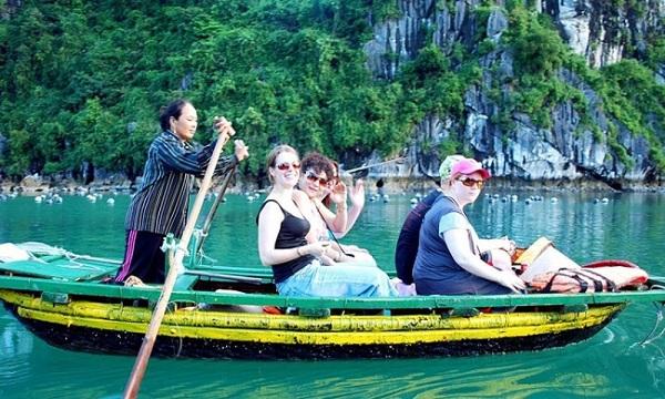 Việt Nam trở thành điểm đến yêu thích của du khách quốc tế1